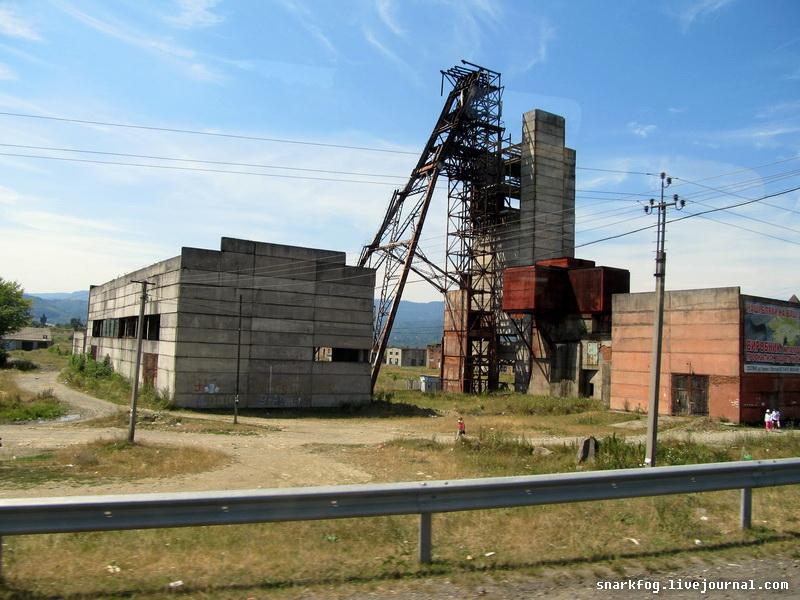 Солотвино. Заброшенные соляные шахты.
