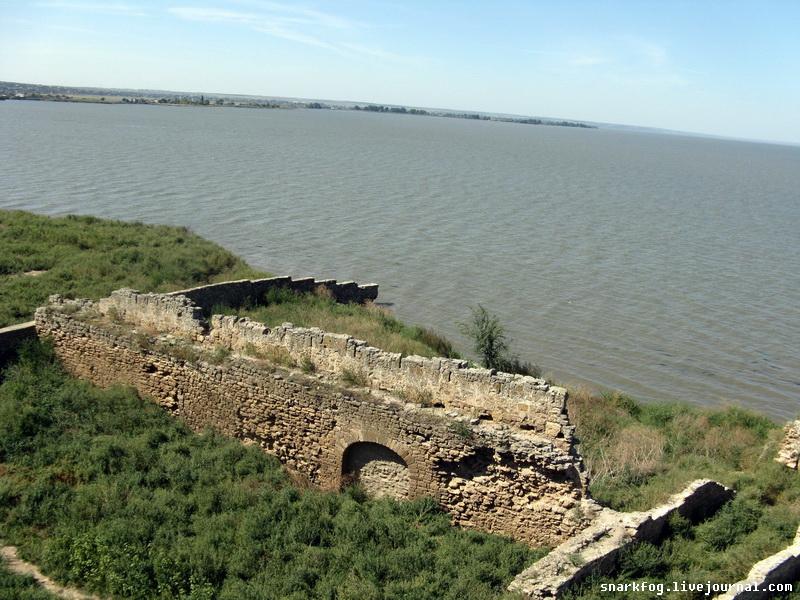 Остатки крепостного порта.